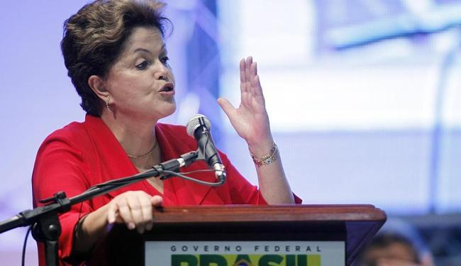 Dilma anunciou a destinação adicional de R$ 50 bi para esses programas - Foto: Lúcio Távora | Ag. A TARDE