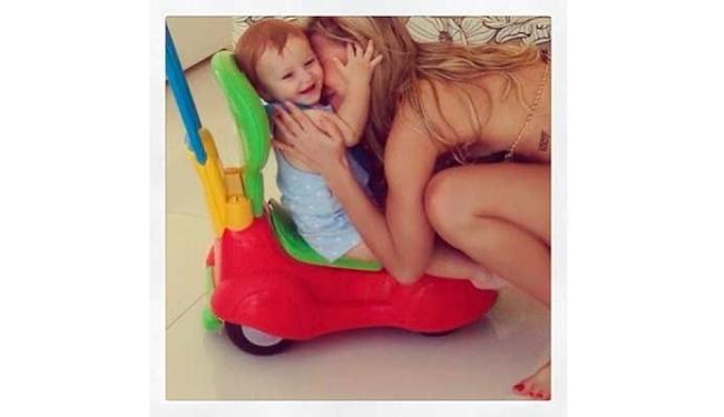 Claudia Leitte se diverte com o caçula rafael em Recife - Foto: Reprodução | Instagram