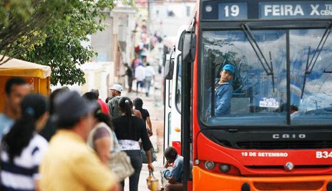 Usuários do transporte público pagarão 6% a menos na passagem - Foto: Luiz Tito/Ag. A Tarde