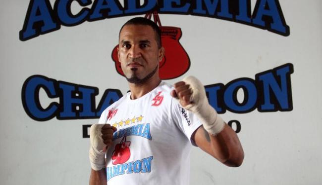 Baiano de 29 anos enfrenta Francimar Bodão neste sábado, 3, no card preliminar do UFC Rio 4 - Foto: LUCIO TAVORA / AG. A TARDE