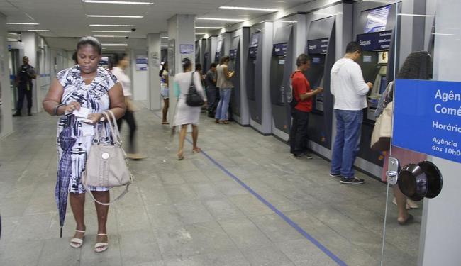 Polícia Federal investiga funcionários do atendimento nos caixas eletrônicos - Foto: Joa Souza | Ag. A TARDE