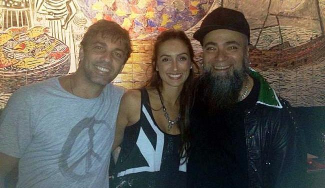 Ator estava com a mulher, a atriz Camila Lucciola, no show do cantor Márcio Mello - Foto: Divulgação
