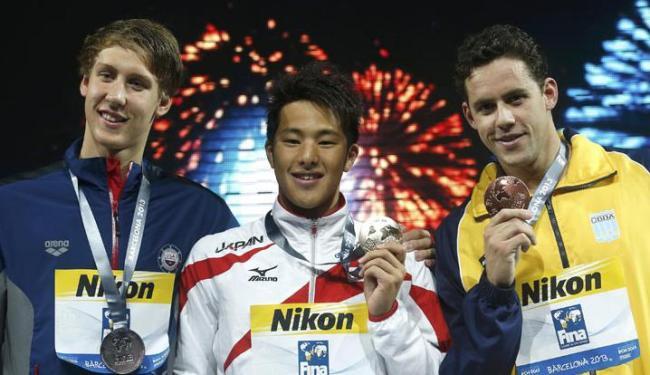 Thiago Pereira (primeiro à direita) conquistou o bronze nos 200m e 400m medley - Foto: Albert Gea / Agência Reuters
