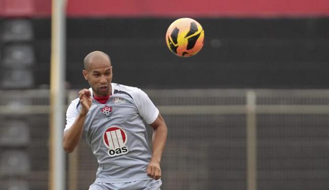 Dinei tem três gols no Brasileirão 2013, todos feitos no Barradão - Foto: Eduardo Martins | Ag. A Tarde