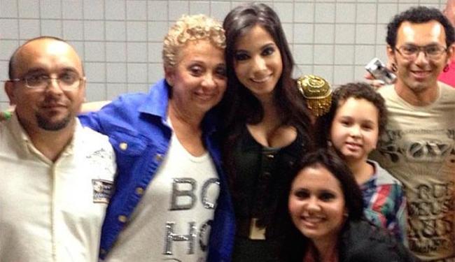 Cantora ainda teve a oportunidade de ser apresentada a alguns parentes que não conhecia - Foto: Instagram | Reprodução