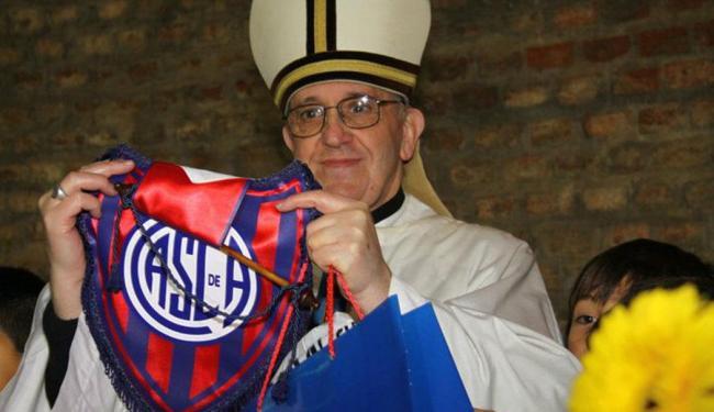 Apaixonado por futebol, Jorge Bergoglio é sócio do clube desde março de 2008 - Foto: Facebook Oficial do San Lorenzo | Reprodução