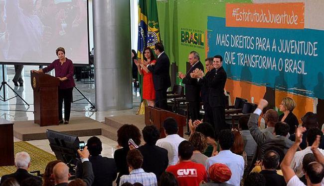 Presidente vetou artigo que previa meia-passagem em transporte interestadual - Foto: Agência Brasil