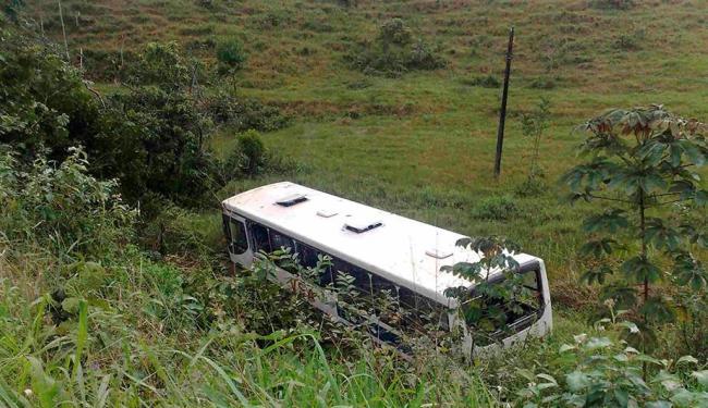 O acidente aconteceu na região do distrito de Pitanga de Palmares, após o pedágio - Foto: Edilson Lima | Ag. A TARDE