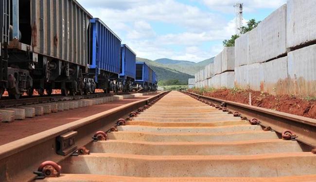 Trecho da Ferrovia de Integração Oeste-Leste (Fiol) na região de Brumado, na Bahia - Foto: Erik Salles   Ag. Servphoto   4.5.2013
