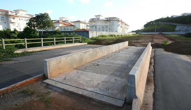 Pontes feitas pelo shopping como contrapartida pelos impactos da instalação na área - Foto: Fernando Amorim | Ag. A TARDE