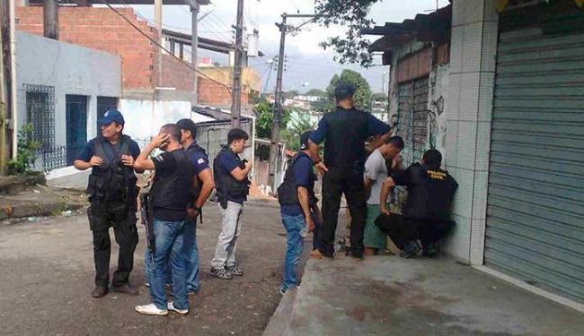 Três presos foram presas - Foto: Edilson Lima | Ag. A TARDE