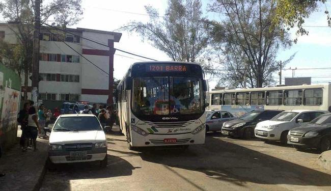 Ônibus estão finalizando o percurso no condomínio Novo Arvoredo - Foto: Edilson Lima | Ag. A TARDE
