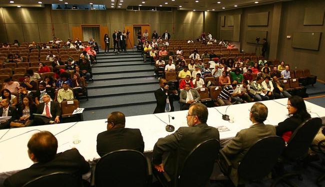 Deputados, vereadores e integrantes do Movimento Passe Livre participaram de audiência - Foto: Fernando Amorim | Ag. A TARDE
