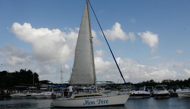 José luiz de Faria comprou um veleiro e pois o nome Mon Pére, em homenagem ao pai - Foto: Margarida Neide | Ag. A TARDE