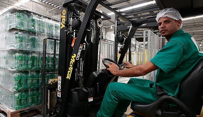 Empresas de bebida gera empregos diretos e indiretos em Alagoinhas - Foto: Mila Cordeiro | Ag. A TARDE