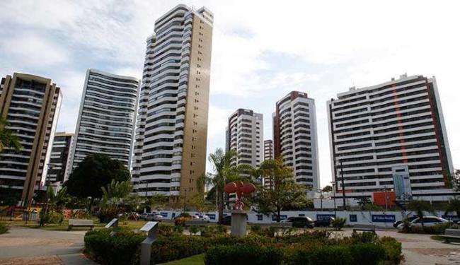 Apenas os proprietários dos imóveis ou condomínios podem fazer o cadastramento ou recadastramento - Foto: Lúcio Távora   Ag. A TARDE