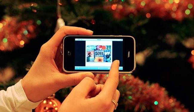 Número de acesso por smartphones e tablets também aumentou no País - Foto: AFP Photo