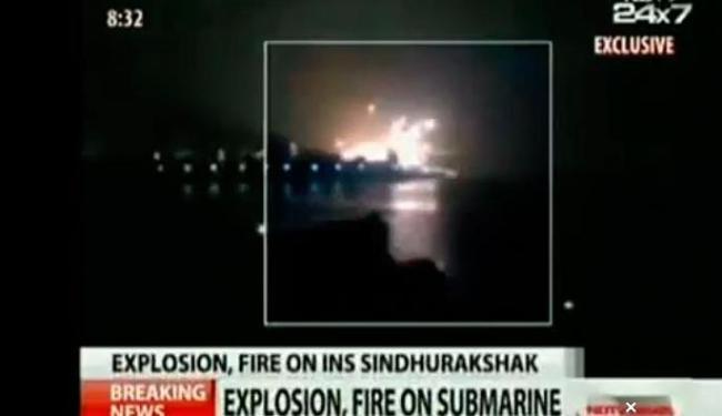 No momento da explosão, alguns tripulantes mergulharem no mar - Foto: Reprodução