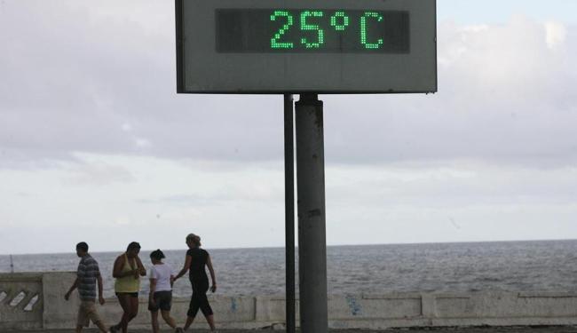 Em Salvador, nesta quinta (15), a temperatura atual varia de 20º a 28º - Foto: Ag. A TARDE