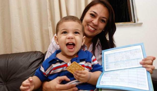 Acompanhar o cronograma de vacinação é importante para o bebê - Foto: Margarida Neide | Ag. A TARDE