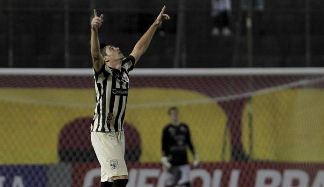 Oldoni marcou gol com o mesmo joelho que o tirou dos gramados por quase dois anos - Foto: Eduardo Martins | Ag. A Tarde