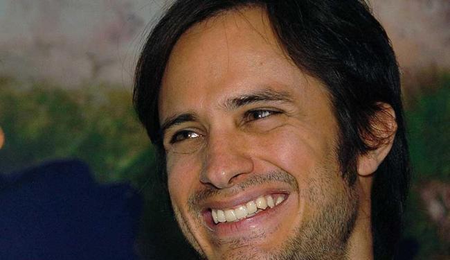 Ator mexicano é embaixador da organização humanitária Oxfam - Foto: AP Photo