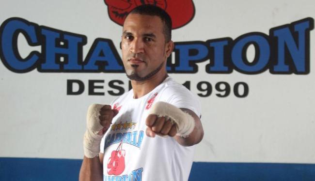 Ednaldo Lula perdeu as duas lutas que disputou pelo UFC em 2013 - Foto: LUCIO TAVORA / AG. A TARDE