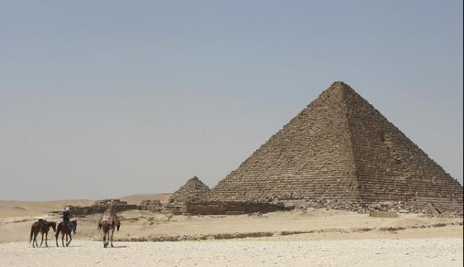 Pirâmides ficam sem turistas em virtude da violência no Cairo - Foto: Bruno Porciuncula | Ag. A TARDE