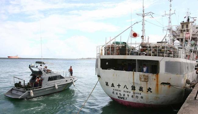 Barco foi escoltado pela Marinha até Salvador - Foto: Fernando Amorim | Ag. A TARDE