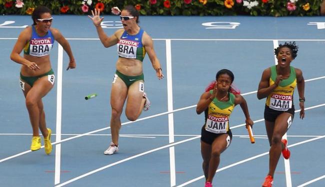 Erro de Franciela Krasucki e Vanda Gomes provocou a eliminação da equipe brasileira - Foto: Gary Hershorn / Agência Reuters