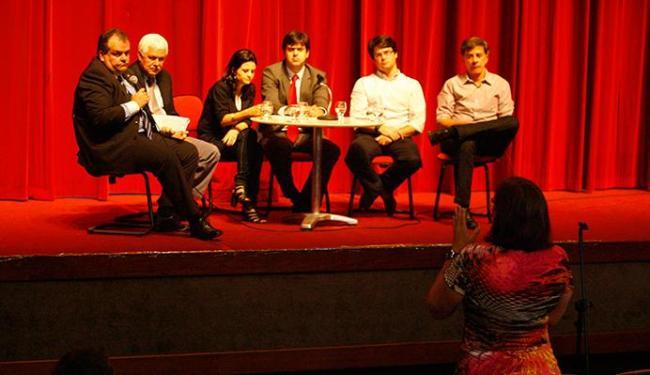 Da esquerda para a direita, Oliveira, Cravo, Fernanda, Correia, Bellintani e Guerreiro participaram - Foto: Marco Aurélio Martins | Ag. A TARDE