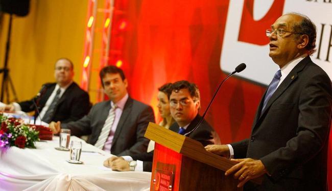 Na palestra, Mendes ainda criticou a proposta de Dilma sobre convocação de assembleia constituinte - Foto: Marco Aurélio Martins   Ag. A TARDE