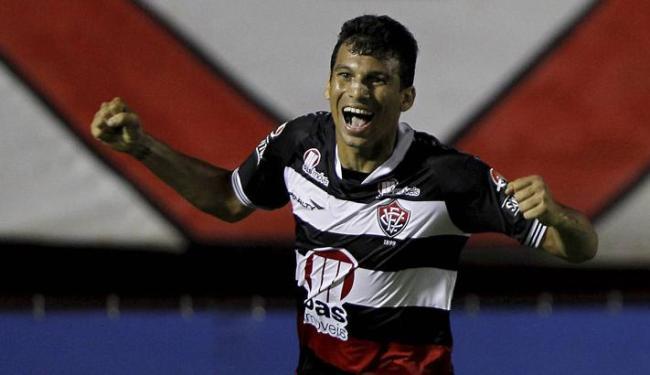 Depois da saída de Neto Baiano, nenhum atacante conseguiu o status de ídolo rubro-negro - Foto: Eduardo Martins | Ag. A Tarde