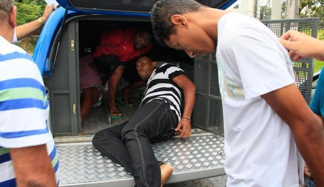 Grupo foi pego em tentativa de roubo na Av. Cardeal da Silva, no bairro da Federação - Foto: Joá Souza   Ag. A TARDE