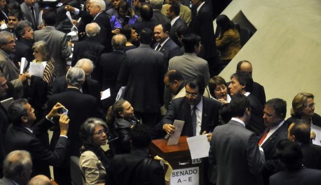 É preciso aprovação de 257 votos na Câmara e 41 no Senado para rever decisão presidencial - Foto: Agência Brasil