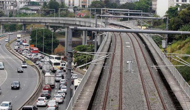 Trecho da linha 1 do metrô de Salvador, na região do Bonocô - Foto: Lúcio Távora | Ag. A TARDE