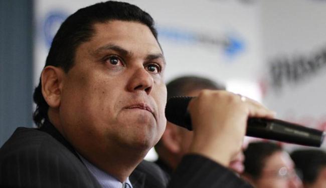 O chefe da federação de El Salvador, Carlos Mendez, anunciou a suspensão de 22 jogadores - Foto: Ulises Rodriguez / Agência Reuters