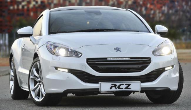 O Peugeot RCZ foi renovado e traz visual alinhado à nova identidade visual da marca - Foto: Divulgação