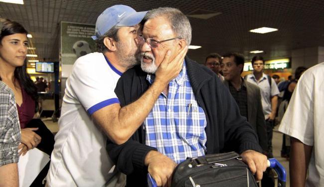 Raul dos Reis Ramalho e o filho Pedro Ramalho, que mora em Salvador - Foto: Eduardo Martins | Ag. A TARDE