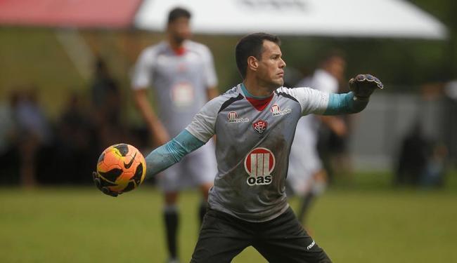 Wilson, recuperado de lesão, reassume a meta rubro-negra contra o Santos - Foto: Raul Spinassé | Ag. A TARDE