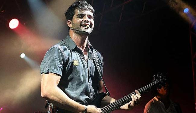 Leo Cavalcanti, vocalista da banda A Zorra - Foto: Paulo Azevedo | Divulgação