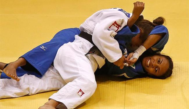 Érika Miranda perdeu a final para a atleta Majlinda Kelmendi, do Kosovo - Foto: Sergio Moraes l Reuters
