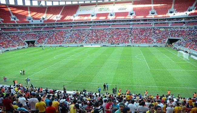 Gramado do estádio Mané Garrincha é um dos que mais preocupam para o Mundial - Foto: Fábio Rodrigues Pozzebom/ Agência Brasil