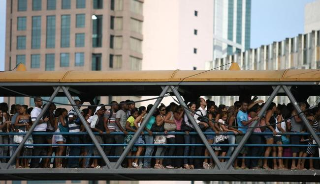 Pelos novos números, o País já conta com mais de 201 milhões de habitantes - Foto: Raul Spinassé | Arquivo | Ag. A TARDE