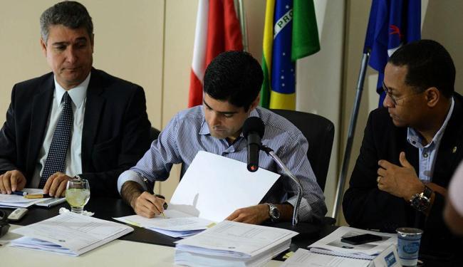 Prefeito promete investir valor em Educação e Saúde - Foto: Valter Pontes   Agecom Prefeitura