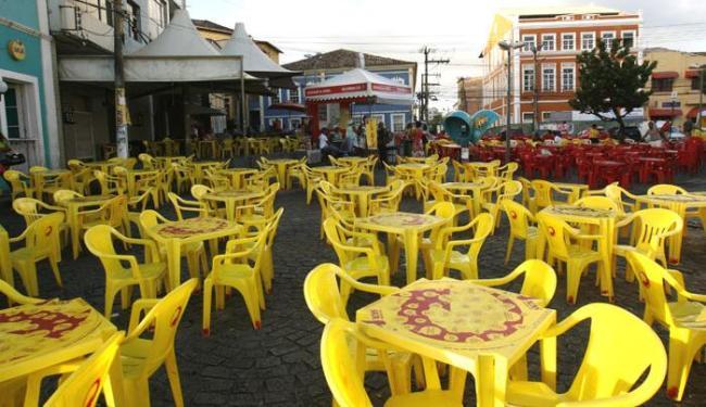 Ação visa disciplinar o uso do espaço público por bares e restaurantes - Foto: Margarida Neide / AG. A TARDE