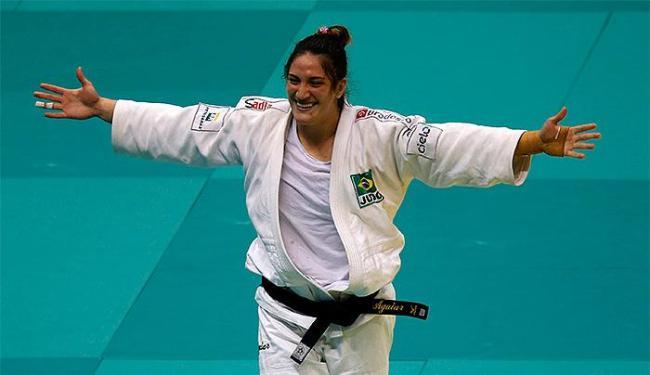 Brasileira fatura sua sétima medalha seguida em um Mundial - Foto: Sergio Moraes l Reuters
