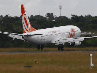 Boeing 737 como este, da companhia Gol, teve a asa traseira abalroada - Foto: Eduardo Martins | Ag. A TARDE