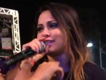 Cantora se emocionou ao final do show e disse que era um dos últimos pela banda - Foto: Reprodução   Facebook