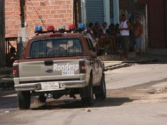 A guarnição chegou a ser acionada, mas os criminosos ainda não foram localizados - Foto: Arestides Baptista | Ag. A TARDE